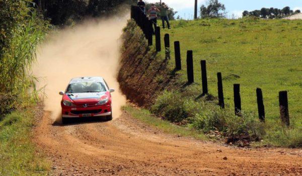 Leo e Fred Zettel concluem em quarto o Rally de Ponta Grossa