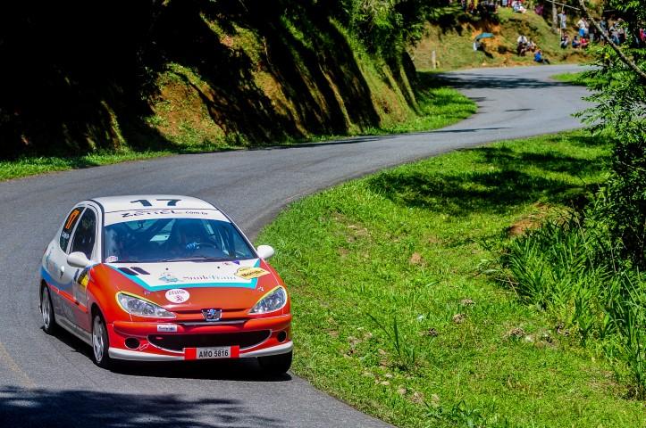 Irmãos Zettel fazem excelente estreia na abertura do RallyPR de Velocidade