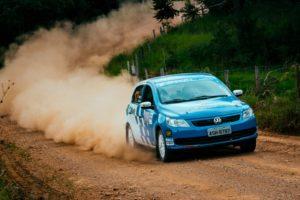 VW Gol dos irmãos Zettel estreia com vitória no Rally Itaiacoca