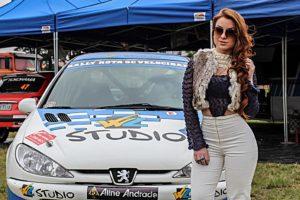 Começou o Rally Rota SC Velocidade em Tijucas e a modelo Aline Andrade prestigia o evento
