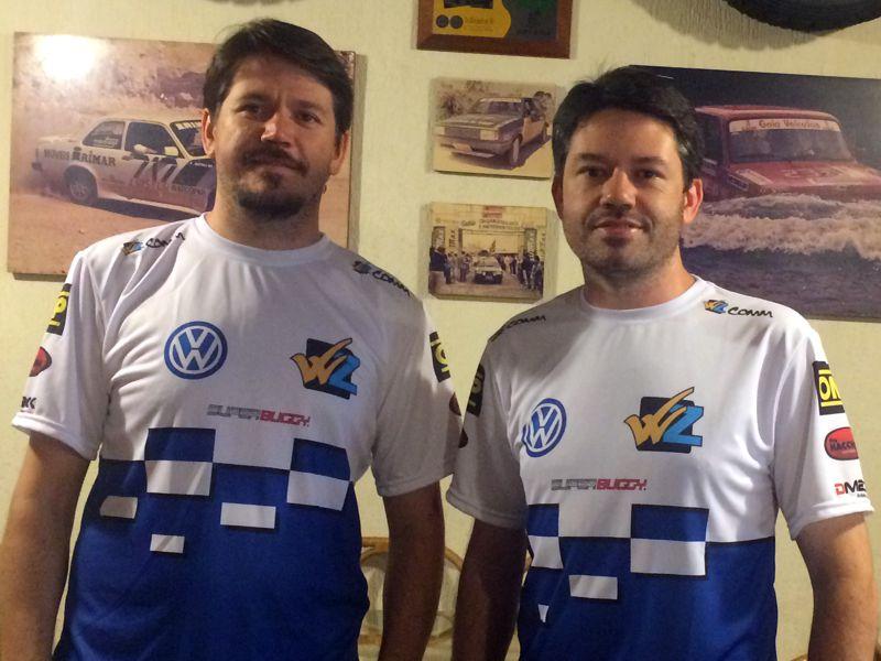 You are currently viewing Irmãos Zettel apresentam a nova camiseta para a temporada 2015.