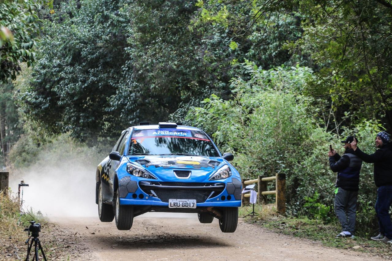You are currently viewing Rally Araucária dá a largada para o Campeonato Brasileiro de Rally